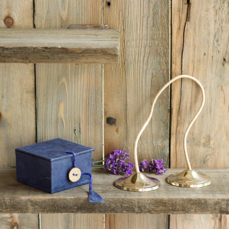 tibetische zimbeln in geschenkbox. Black Bedroom Furniture Sets. Home Design Ideas